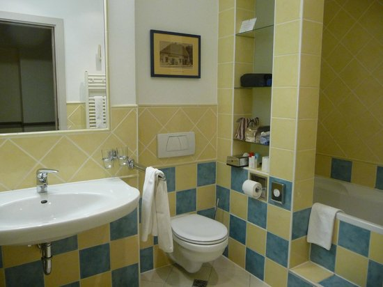 Mamaison Hotel Andrassy Budapest: Salle de bain