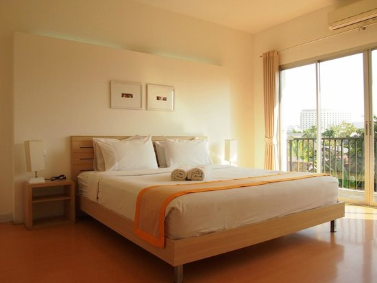 Studio 99 Serviced Apartments: 2 Bed Apt. - Master Bedroom