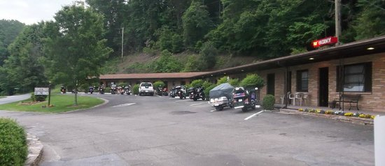 Tuskeegee Motel: Motorcycles welcome