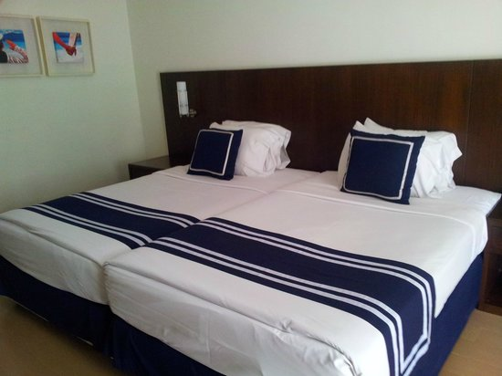 A-One The Royal Cruise Hotel: Номер
