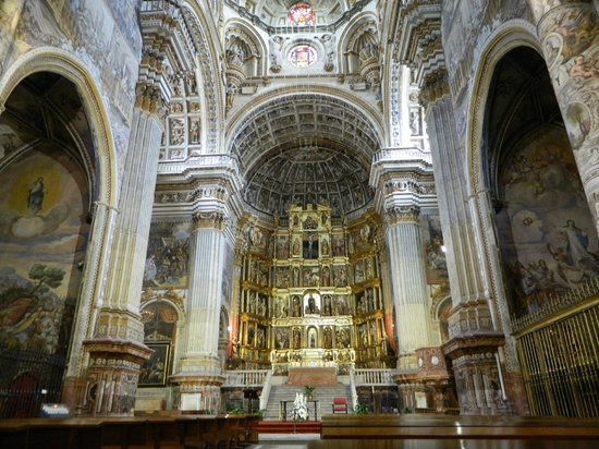 Saint Jerome Monastery: An altarpiece that holds your attention