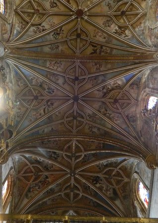 Saint Jerome Monastery: Gothic vaulted ceiling of the nave has beauty of its own
