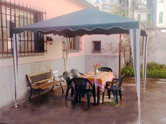 B&B Villa Rosa : Il gazebo nell'area relax