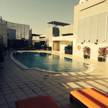 Abidos Hotel Apartment - Al Barsha : The roof top pool