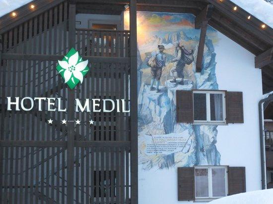 Hotel Medil Campitello: Фасад