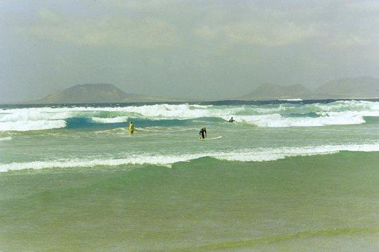 Famara Beach: surf
