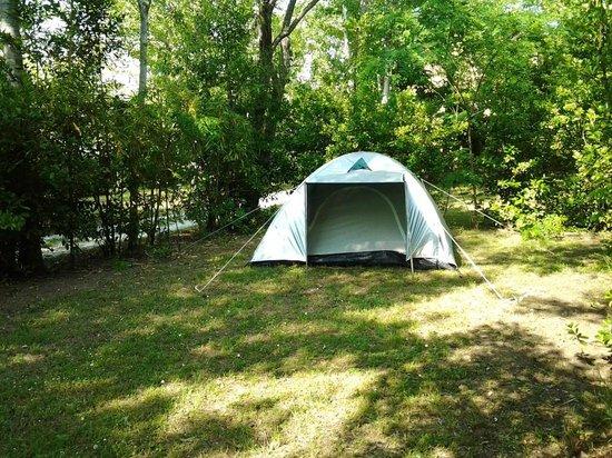 Villaggio dei Tigli: la tenda di Antonio e Simona...