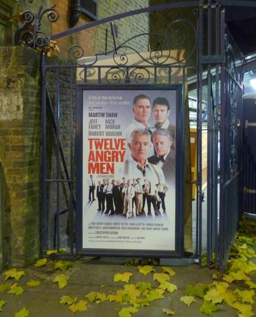 West End Theatre District : Twelve Angry Men in the West End