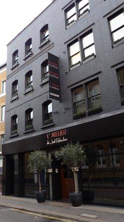 West End Theatre District: Nice restaurant - L'Atelier de Joel Robuchon