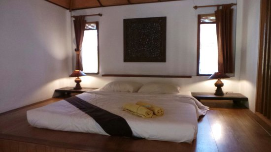 Mooban Talay Resort : Inside the bungalow