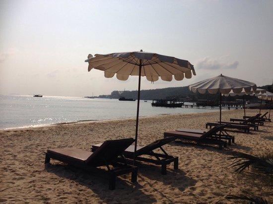 Mooban Talay Resort : Beachside