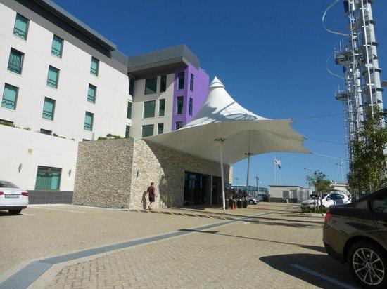 Hotel Verde Cape Town International Airport: Außenansicht