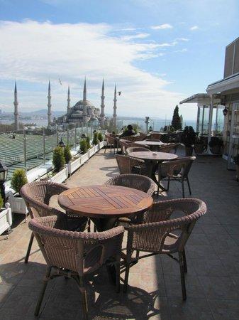 Lady Diana Hotel: Ресторан на крыше