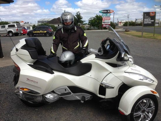 Paradise Motorcycle Day Tours: Awesome spyder