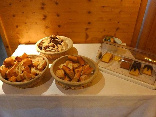 Hotel Les Lans : Les pains du petit-déjeuner