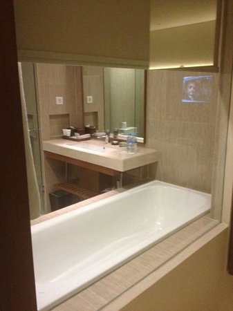 Four Points by Sheraton Bali, Seminyak : bathroom