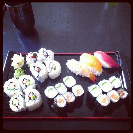 Sushi Bar Pirates: Sushi-Kurs: Mein Endergebnis! Auch ohne vorherige Kenntnisse gelingt das Sushirollen perfekt. De