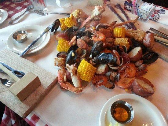 The Crab Pot Restaurant And Bar Long Beach Ca