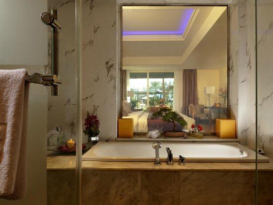 The Royal Savoy Sharm El Sheikh : RS Bathroom