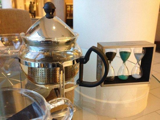Staybridge Suites London-Stratford City : Proper Tea with a timer