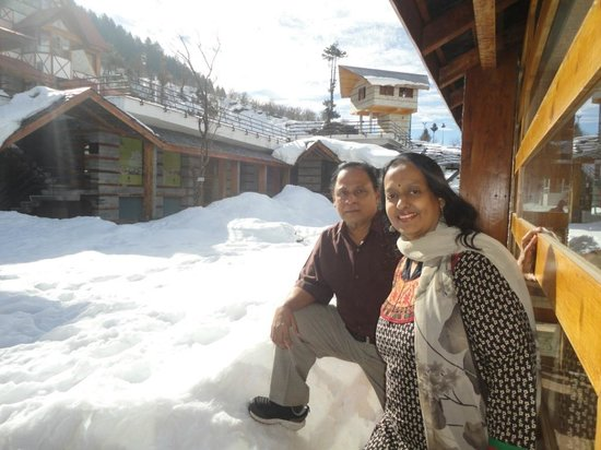Manuallaya -The Resort Spa in the Himalayas: Snow-filled surroundings