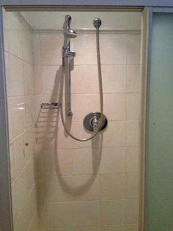 Hotel Touring: BAthroom