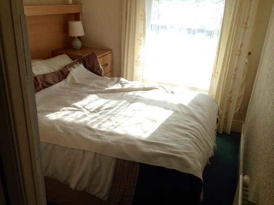 Glen Allen Hotel: Double bed