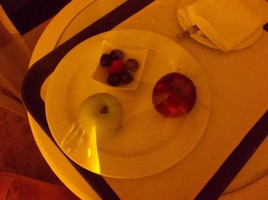 "The Kingsbury: What the hotel calls: ""Chocolate/fruit bowl with a variety of tropical fruits on arrival"""