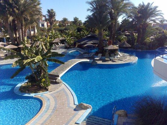 Atrium Palace Thalasso Spa Resort & Villas : бассейн