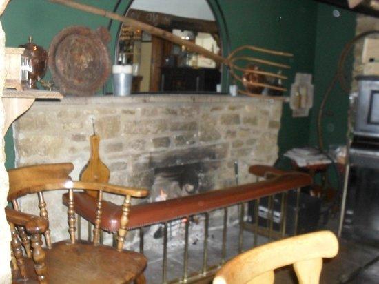 Meysey Hampton, UK: Inside the pub