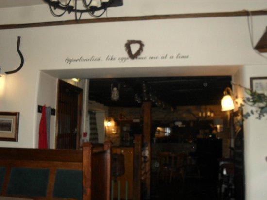 Meysey Hampton, UK: The pub again