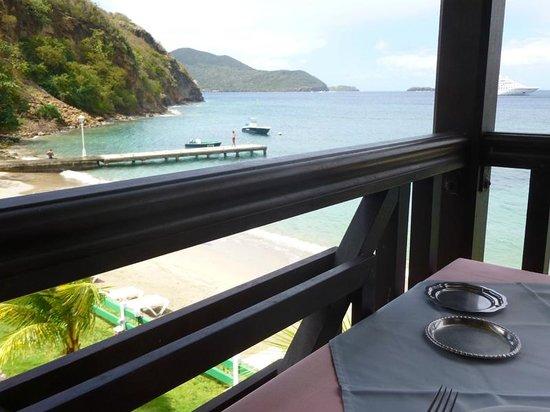 Hotel Bois Joli: la plage au pied du restaurant