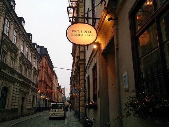 Scandic Gamla Stan : ホテル入り口