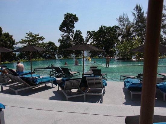Pullman Phuket Arcadia Naithon Beach : メインプール