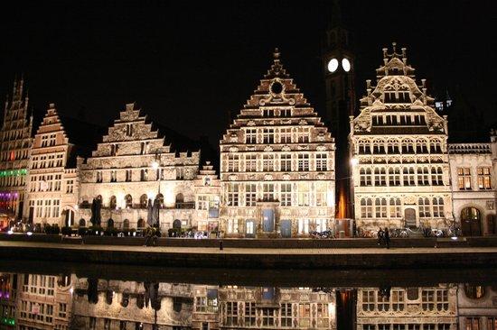 Ghent Marriott Hotel: Ночной вид