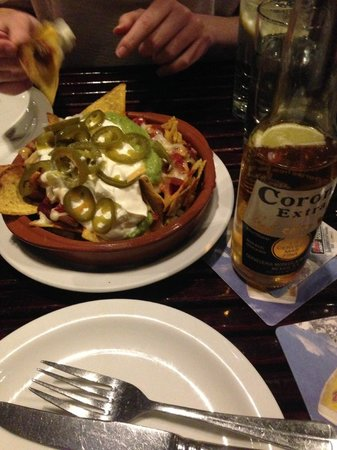 The Market Bar: Nachos and beer :)