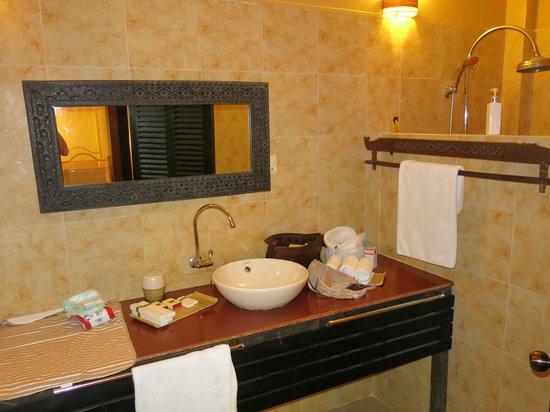 Pavillon Indochine Hotel : Salle de bain