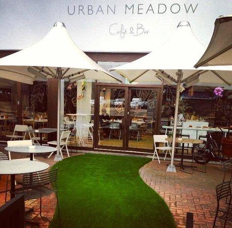 DoubleTree by Hilton - London Hyde Park : Urban Meadow main entrance