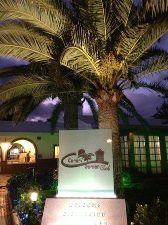 Canary Garden Club: Entrén