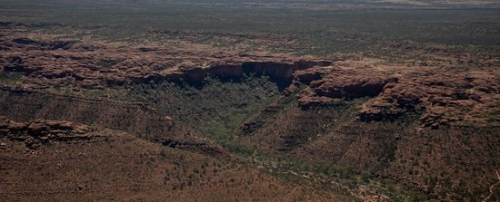 Professional Helicopter Services: The rim of Kings Canyon from the air