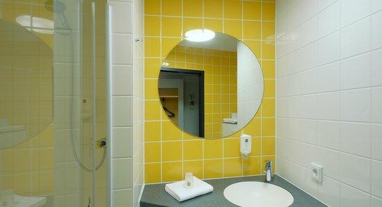 B&B Hotel Nürnberg-Hbf - Badezimmer