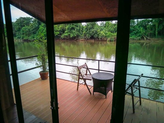 Banana Resort and Spa : View from your bed on the river.