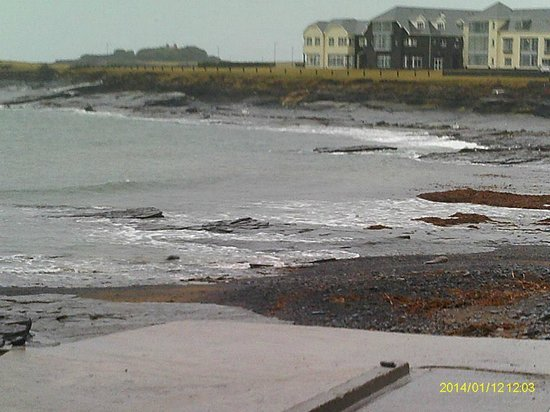 Armada Hotel : View from Spanish Point beach