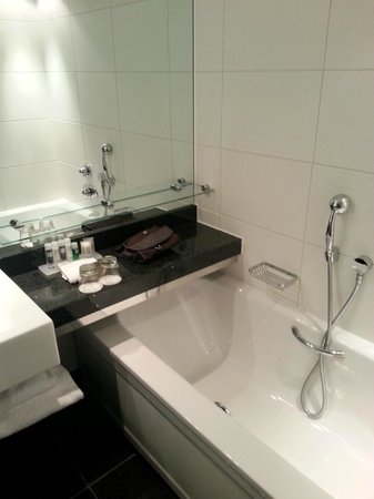 Park Plaza London Riverbank: Bathroom (2)