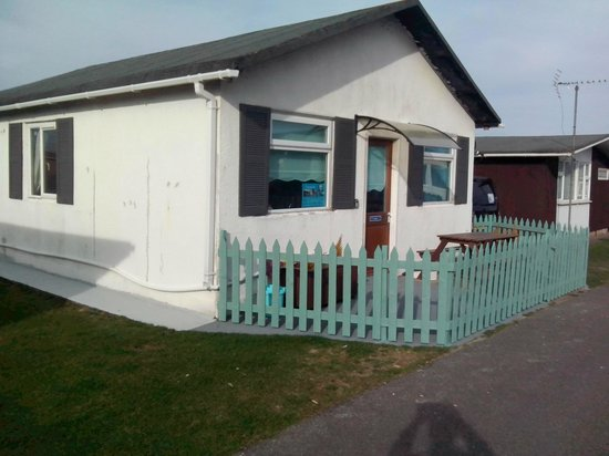 Seagulls  Bridlington: Chalet 5 - 3-bedroom detached, sleeps 7