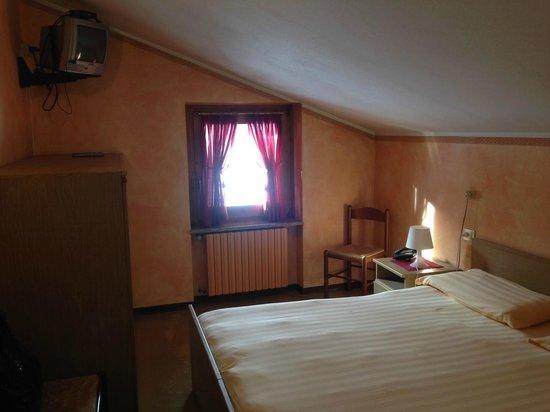 Hotel Eira: Stanza matrimoniale