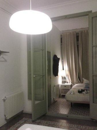 Cosmopolitan Boutique Hostal: letto single in stanza tripla