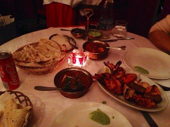 Rangoli : tandoori platter with lamb gosht and naan