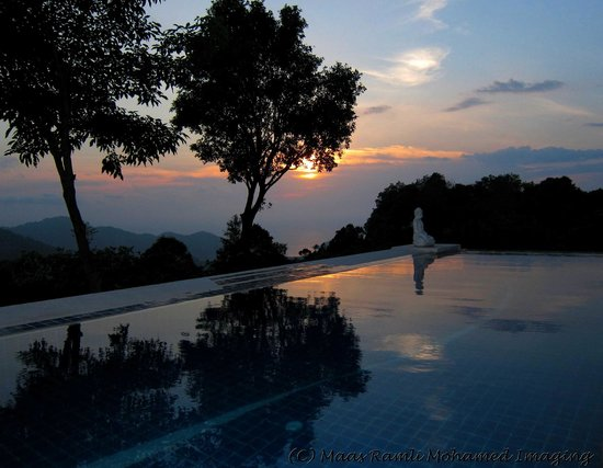 Balik Pulau, Malásia: pool at dusk