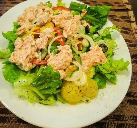 Bon Ca Va: Great tuna salad.